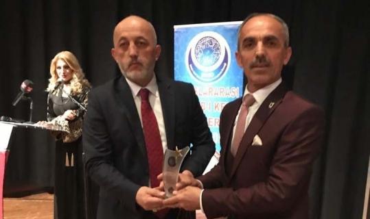 Başkan Asya'ya 'yılın en başarılı belediye başkanı' ödülü