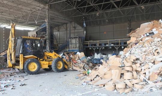 Bayraklı'da 62 bin ton atık geri dönüşüme