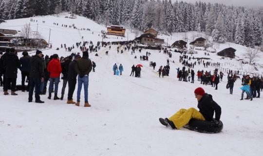 """""""Kardan Adam Şenliği"""" renkli görüntülere sahne oldu"""