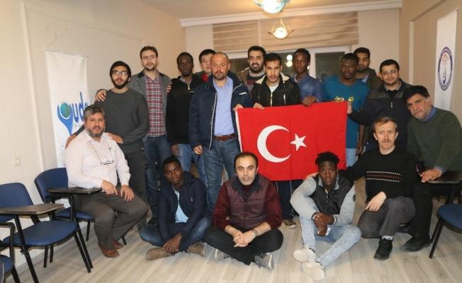Yabancı öğrenciler, 'Zeytin Dalı' için hatim indirdi