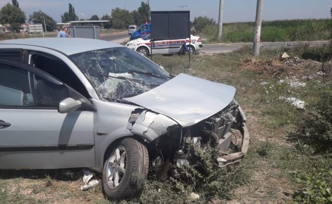 Ölüm kavşağında feci kaza: 9 yaralı