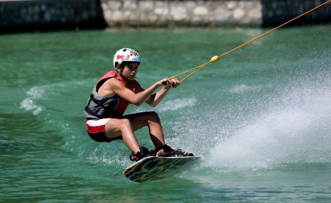Su kayağı tutkunları Osmangazi'de buluştu