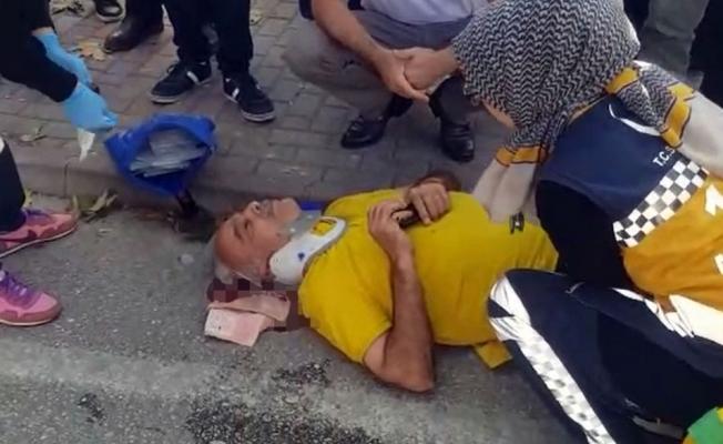 Tersten gelen motosiklet yaşlı adama çarptı