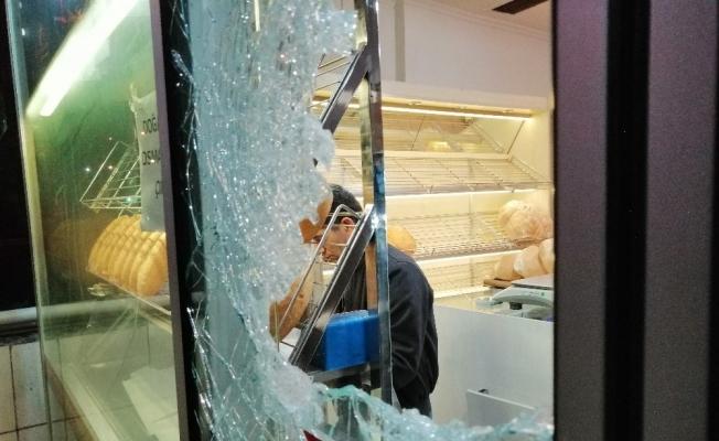 Bursa'da fırın ve kasaba gece yarısı molotoflu saldırı