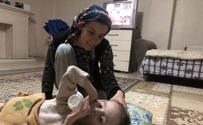 (Özel) 20 bin liralık ameliyatla sağlığına kavuşacak küçük çocuğun sessiz çığlığı