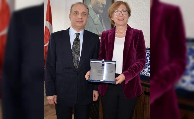 Prof. Dr. Bilgin'e Avrupa Havayolu Yönetimi Derneği'nden diploma