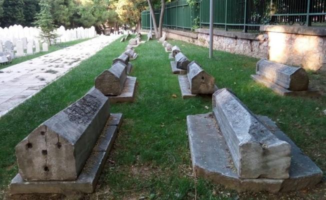 Bursa'da Osmanlı mezarlıkları konuşuldu