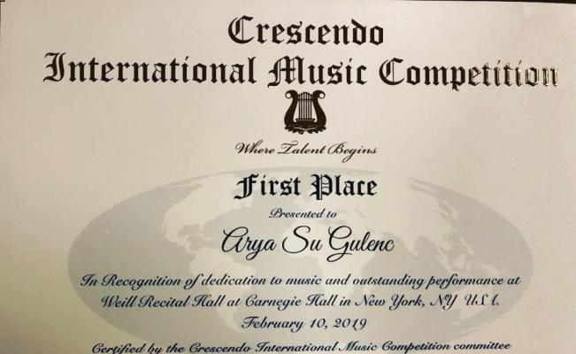 9 yaşındaki müzik dehası Arya Su büyük ödülünü Newyork'ta aldı