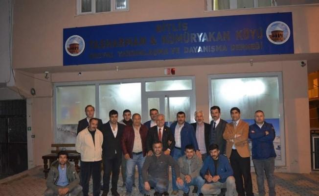 """BBP'li Özbek: """"Maket projelerle Yıldırımlıları kandırmayı bırakın"""""""