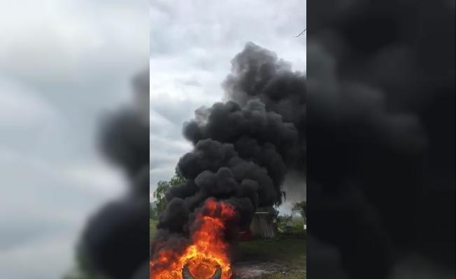 Kamp alanında çok sayıda lastiği yakıp kayıplara karıştılar