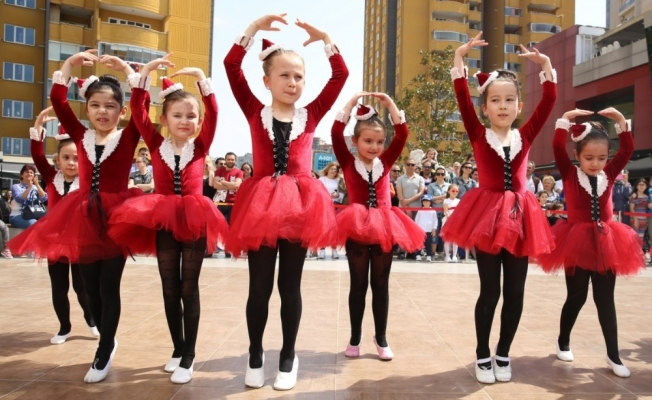 Nilüfer'de Dünya Dans Günü coşkusu