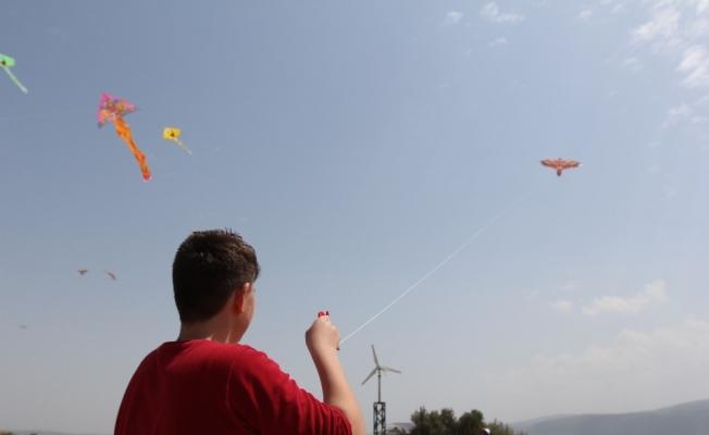 (Özel Haber) Rengarenk uçurtmalar gökyüzü ile buluştu