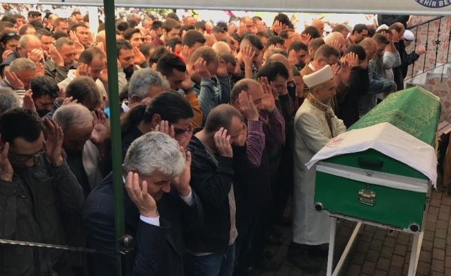 Patlamada hayatını kaybeden iş yeri sahibi toprağa verildi