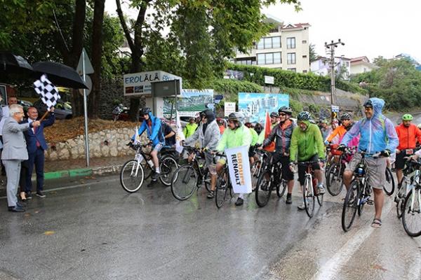 """""""Bisikletle Yüz Yıllık Macera""""da pedallar dönmeye başladı"""