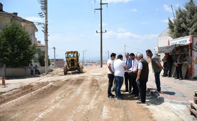Yol Ve Otopark Yapım Çalışmaları Sürüyor