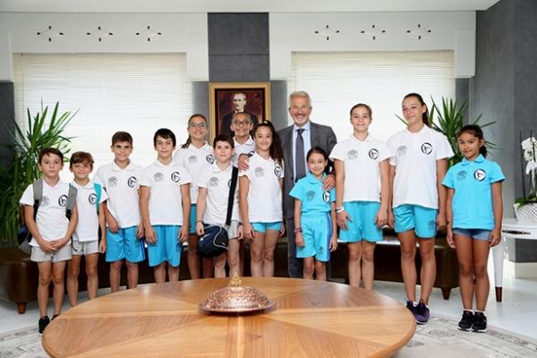 Cimnastikçilerden Başkan Erdem'e başarı sözü