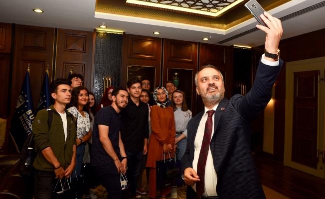Üniversitelilerden Büyükşehir'e rehberlik teşekkürü