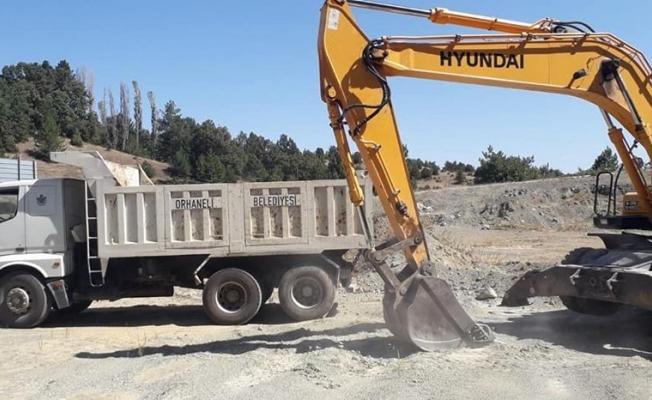 Belediye ekiplerimiz tarafından Sırıl Mahallemizde yol düzenleme çalışmaları yapıldı.