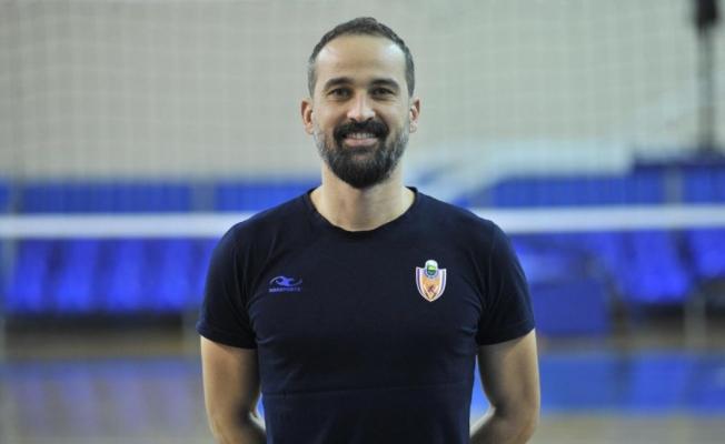 İnegöl Belediyespor'da Yardımcı Antrenör Bora Şensoy