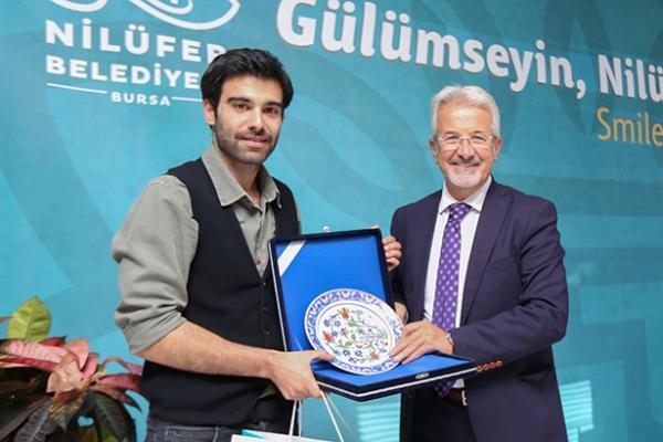 Ödül sevincini Başkan ile paylaştı
