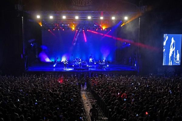 On binler Nilüfer'de müziğe doydu