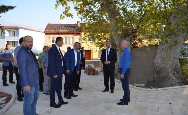 ÖZHASEKİ İZNİK'TE DAVUD-İ KAYSERİ TÜRBESİNİ ZİYARET ETTİ