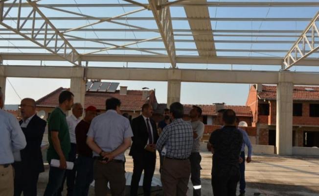 Belediye Başkanımız Ali AYKURT Meclis Üyelerimiz ile birlikte yapımı devam eden otopark inşaatında incelemelerde bulundular.