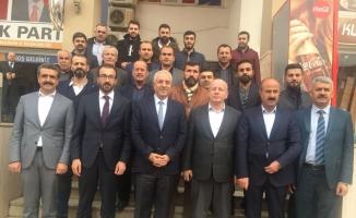 Ak Parti Şırnak il başkanı ve yönetim kurulu üyeleri Mardin'i ziyaret etti