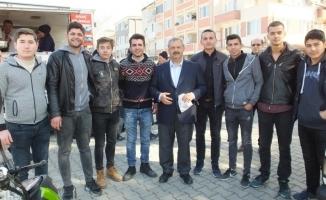 Liseli gençler Afrin Şehitleri için lokma hayrı yaptı