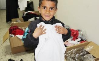Silvan'da öksüz ve yetim çocuklara giyim yardımı