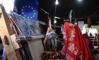 Bursa ipeğinin Avrupa yolculuğu Kozahan'da teşhir ediliyor