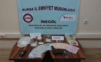 Uyuşturucu operasyonunda biri kadın 3 kişi gözaltına alındı