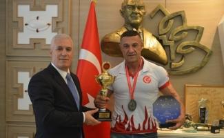 Dünya Şampiyonası öncesi Bozbey'den destek istedi