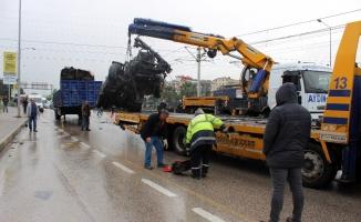 Bursa'da feci tır kazası: 1 yaralı