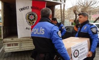 Yüksekovalı öğrencilerin karne hediyesi Bursa polisinden
