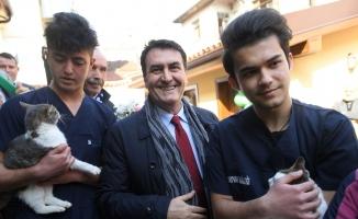 """Bursa'nın ilk """"Millet Kıraathanesi"""" Osmangazi'de açıldı"""