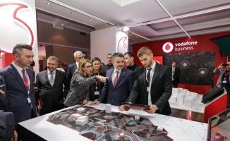 Vodafone'un Uludağ Ekonomi Zirvesi'ndeki standına büyük ilgi