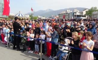 Jandarma konserine yüzlerce insan akın etti