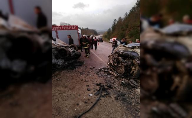 Bursanın Orhaneli ilçesinde kaza: 2 ölü, 8 yaralı