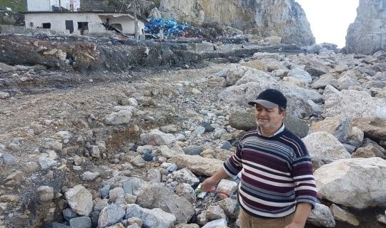 Amasra'da dev dalgalar dolguyu alınca tarihi eserler ortaya çıktı
