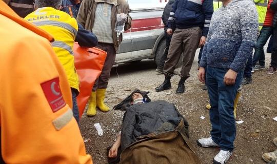Freni patlayan işçi servisi evin duvarına çarptı: 16 yaralı