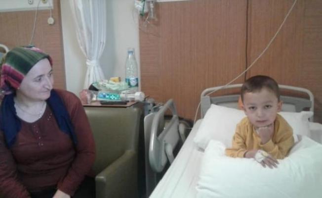 Kalp nakli bekleyen küçük Yusuf yoğun bakımda hayata tutunmaya çalışıyor