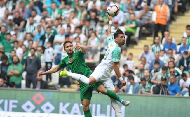 Spor Toto Süper Lig: Bursaspor: 0 - Akhisarspor: 0 (İlk yarı)
