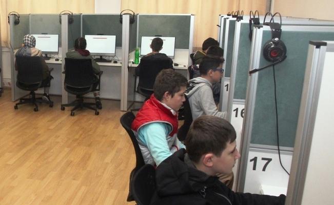 Türkçe e-sınav pilot uygulaması Bursa'da başladı