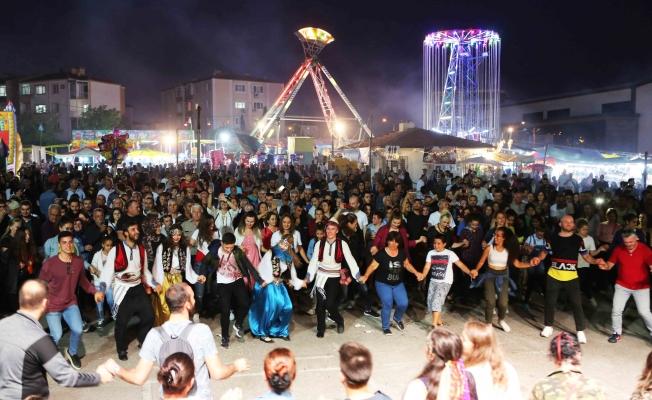 Balkan Panayırı'nda Azis izdihamı